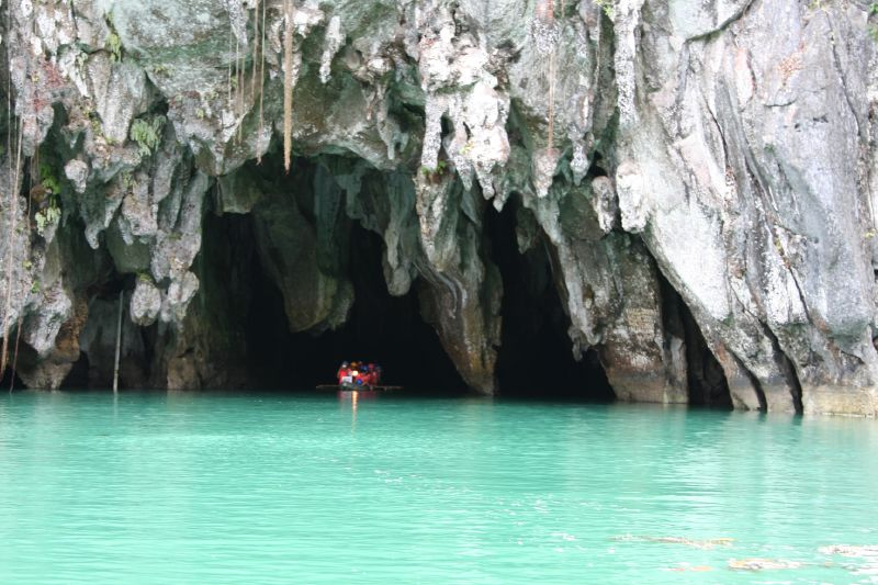 Entrance to Underground river cave-Palawan Island-tourradar review
